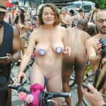 world naked bike ride novembre 2019 21 150x150 - Le World Naked Bike Ride, toujours très sexy ces femmes nues