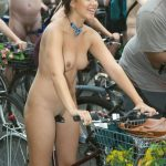 world naked bike ride novembre 2019 28 150x150 - Le World Naked Bike Ride, toujours très sexy ces femmes nues